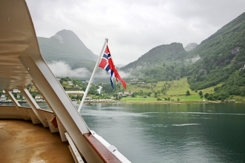 MS Midnatsol in Geiranger