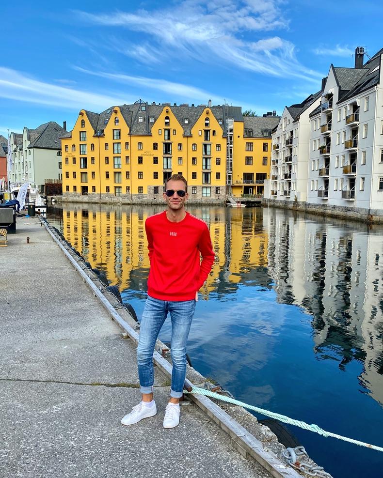 Kreuzfahrtblogger Cheesecake Cruises Martin Melzer in Alesund, die Perle des Jugendstils